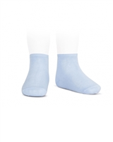 CONDOR Girls' Basic Ankle Socks in Light Blue